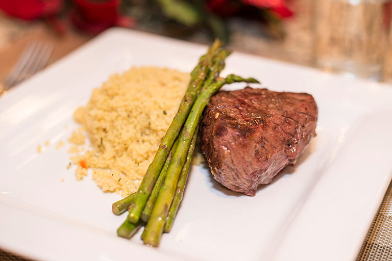 Balsamic-Dijon-Steak-with-Asparagus